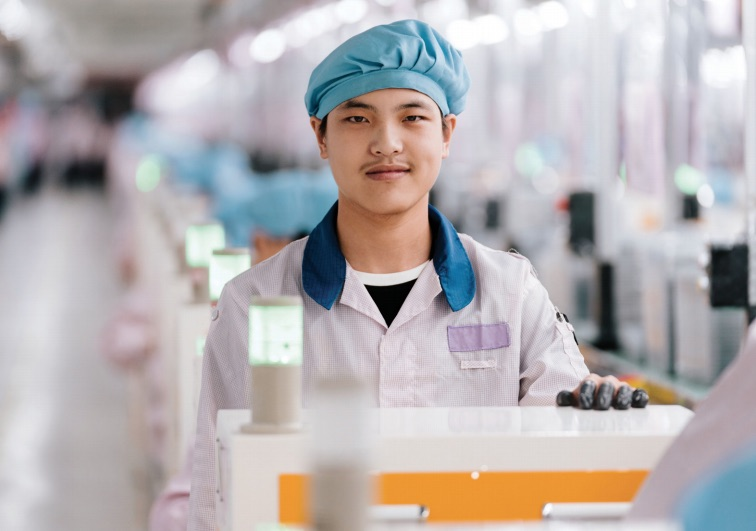 apple investigating report of forced student labor at chinese factory