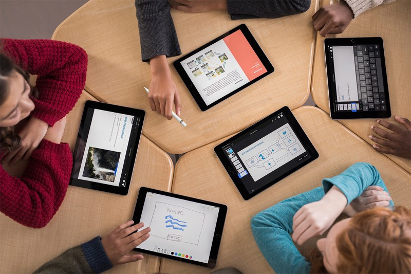 Le Launching Free Hour Of Code Sessions At Retail S Starting December 1