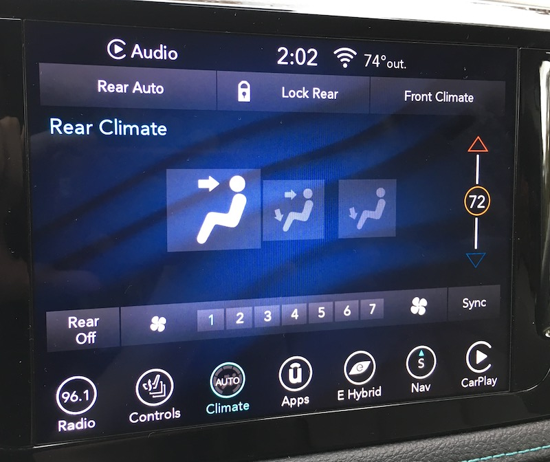 2018 Chrysler Pacifica Hybrid – Uconnect and CarPlay Review - MacRumors