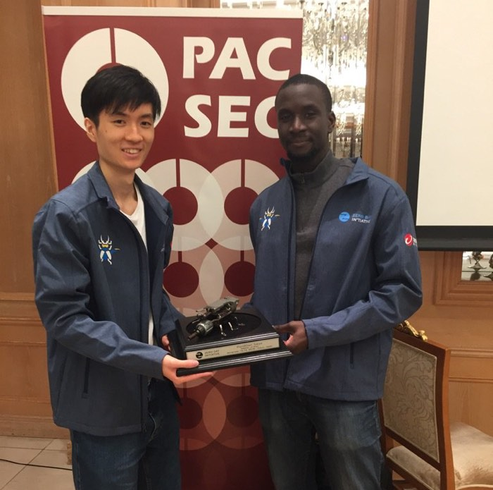 hackers win 60 000 for finding iphone safari exploit at tokyo pwn2own contest