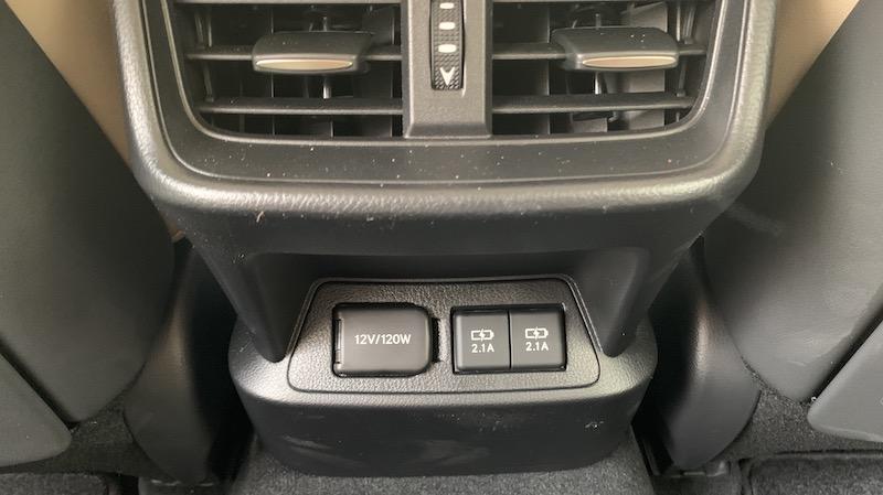 Review: 2019 Lexus ES Features Optional Widescreen CarPlay