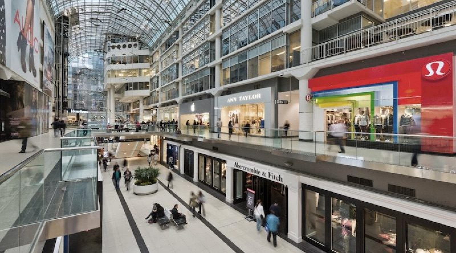 photo image Sources: Apple to Expand Crowded Eaton Centre Store in Toronto, More Evidence of Yonge-Bloor Flagship Emerges