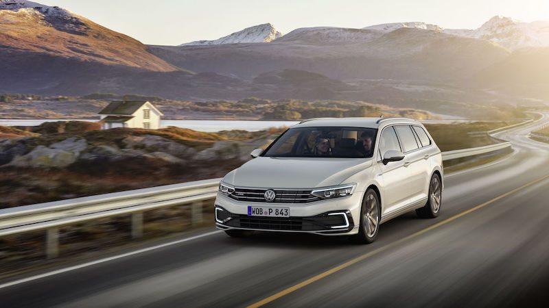 Toyota Expanding CarPlay to 2020 Tacoma, Tundra, Sequoia ...