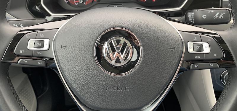 Volkswagen Jetta CarPlay Review - MacRumors