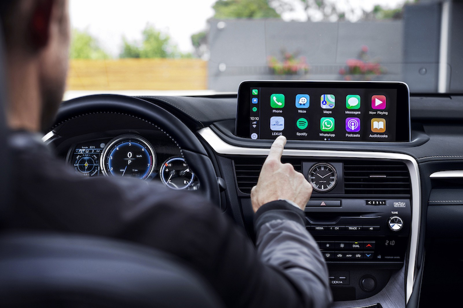 Lexus Rx Finally Getting Carplay And Android Auto Macrumors