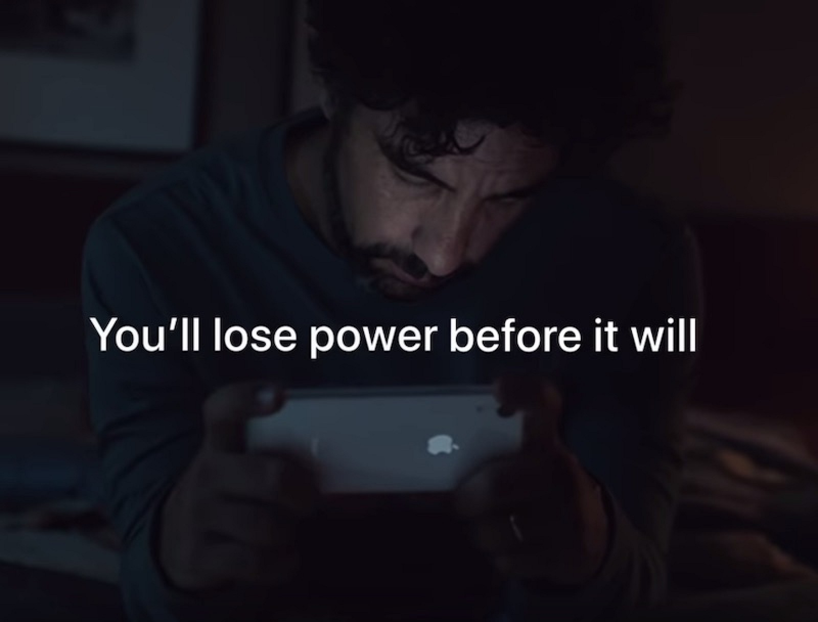 promo code e2dc1 1a11e Apple Promotes iPhone XR's Battery Life in New Ad: 'You'll Lose ...
