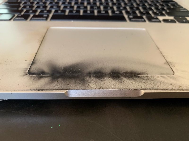 2015 >> Damaged 15 Inch 2015 Macbook Pro Demonstrates Why Apple