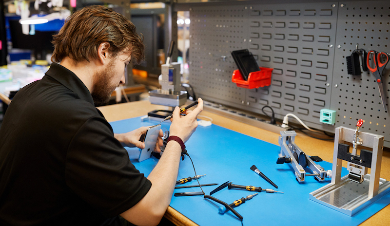 Apple to Allow Independent Repair Shops to Service Out-of-Warranty iPhones With Genuine Parts