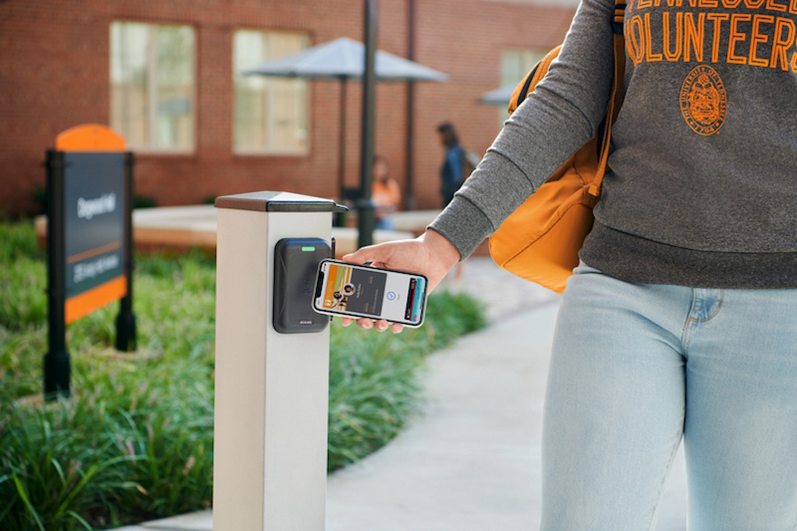 photo of Apple Expanding Contactless Student ID Cards to 12 More Universities in Coming School Year image