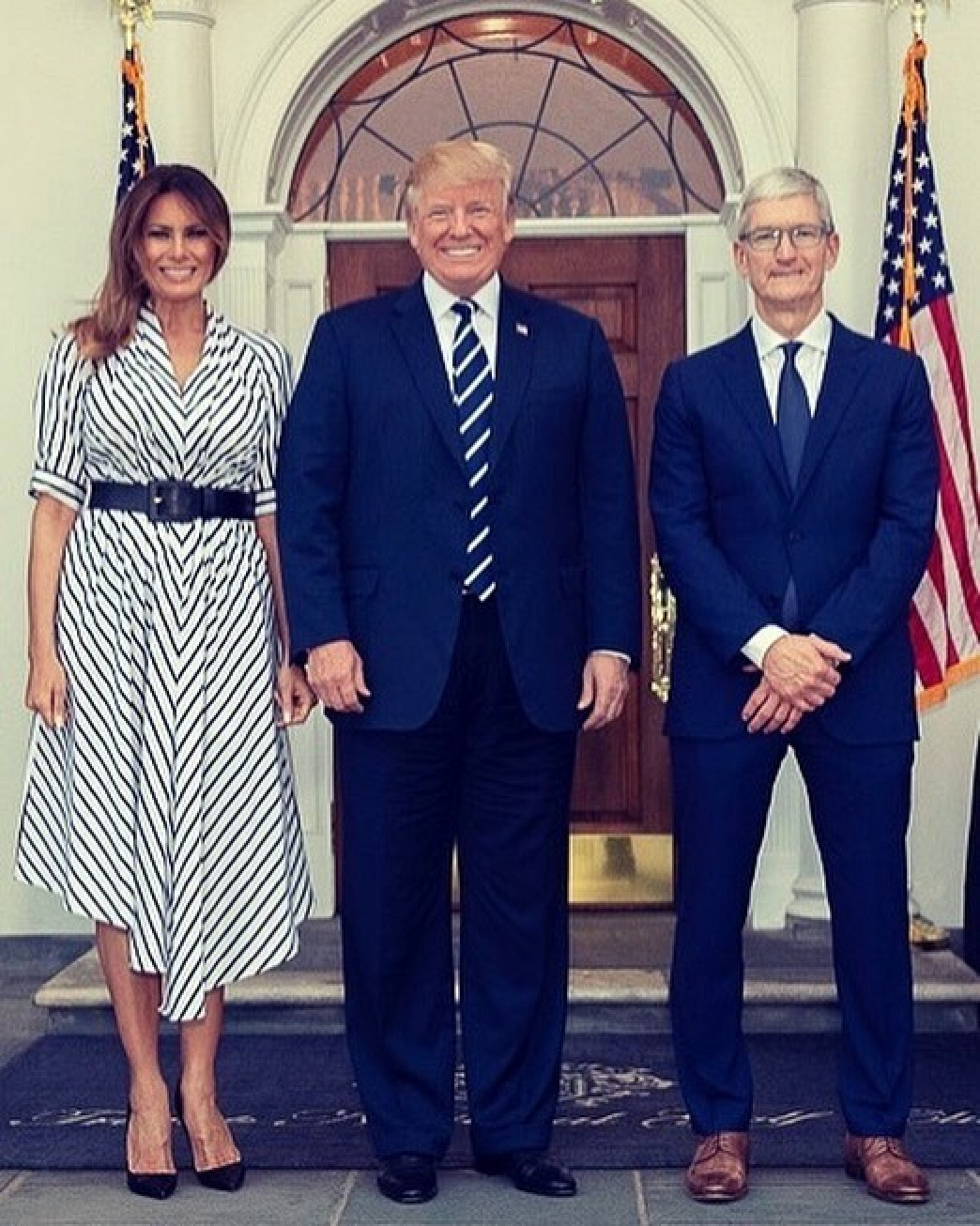 Trump Says Tim Cook Made 'Good Case' That Tariffs Would Put Apple at Disadvantage With Rivals Like Samsung