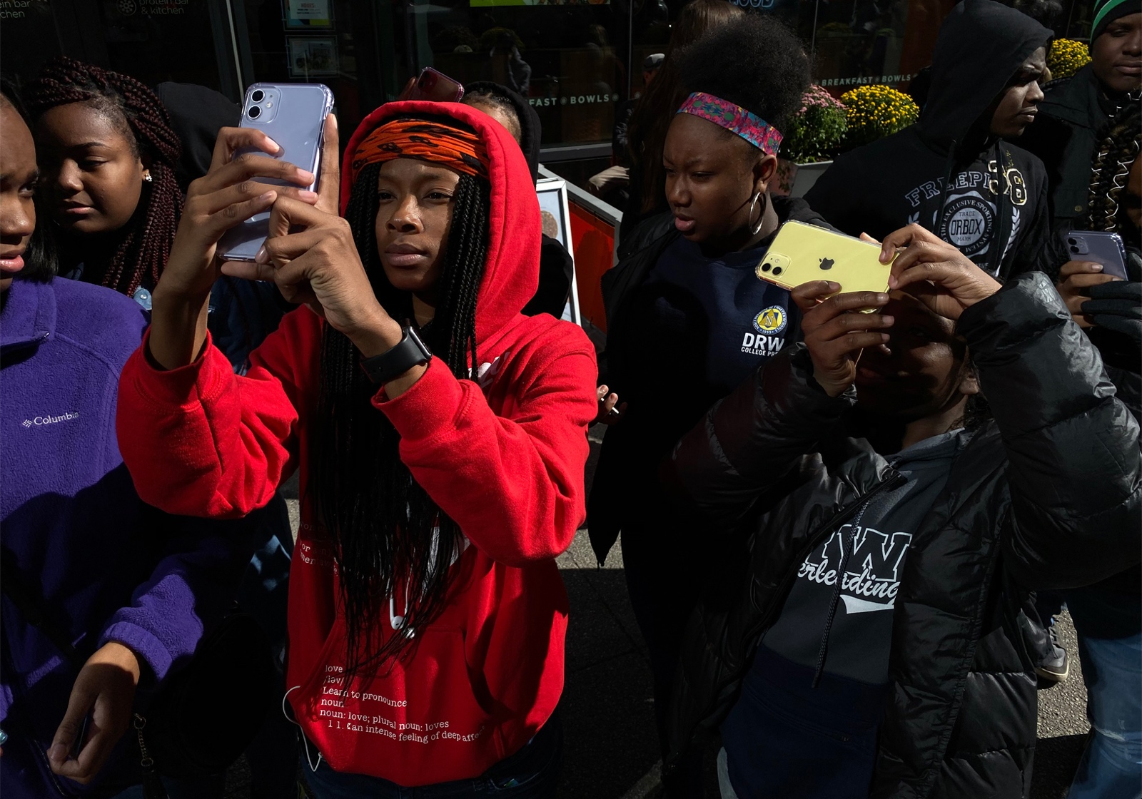Apple Teams Up With 100cameras to Teach Chicago Students iPhone Photography Using iPhone 11