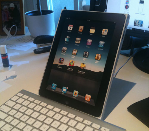 how to close out files in ipad